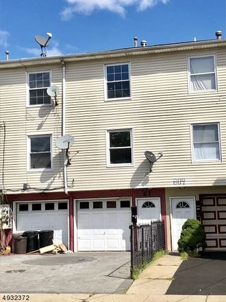 Rent this 3 bed apartment on E Jersey St in Elizabeth, NJ