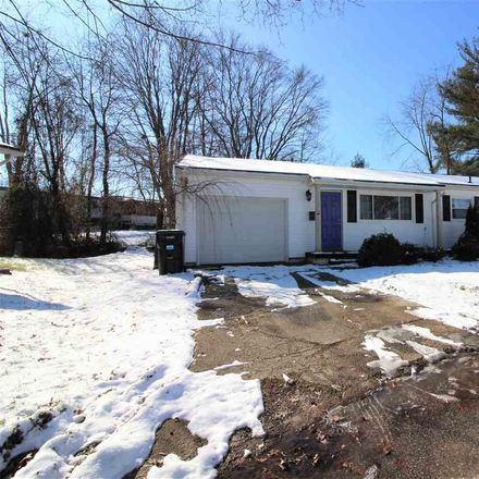 Rent this 3 bed house on Brook Circle in Hurricane, WV