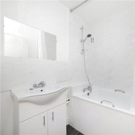 Rent this 2 bed apartment on Vaine House in Hartlake Road, London E9 5BT