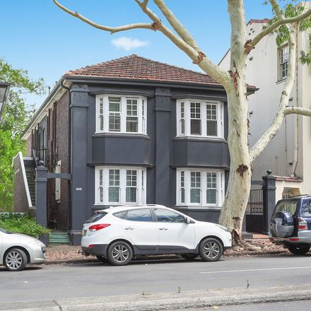 Rent this 2 bed apartment on Unit 2/466-468 New South Head Rd