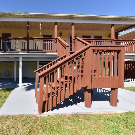 Rent this 3 bed house on 11 Highland Drive in Hitchcock, TX 77563