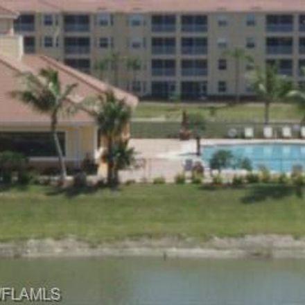 Rent this 2 bed condo on Kingbird Loop in Naples, FL