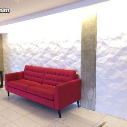 Rent this 1 bed apartment on 2870 Boulevard Cavendish in Montreal, QC H4B 1N7