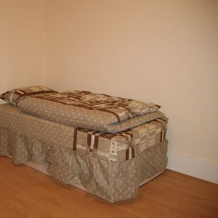 Rent this 5 bed room on 294 Murchison Road in London E10, United Kingdom