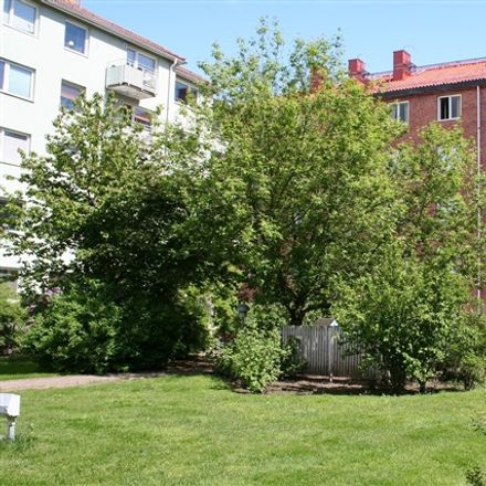 Rent this 3 bed apartment on Skansgatan in 302 48 Halmstad, Sweden