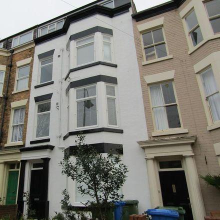 Rent this 6 bed room on Trafalgar Square in Scarborough YO12 7PY, United Kingdom