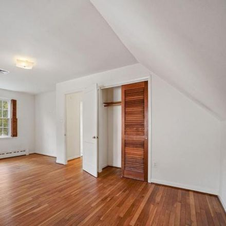 Rent this 4 bed house on 4956 25th Street South in Claremont, Arlington