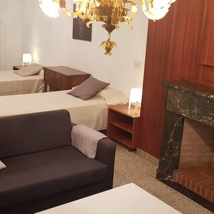 Rent this 2 bed room on Casa Martí in Carrer de la Reina Esclarmunda, 07003 Palma
