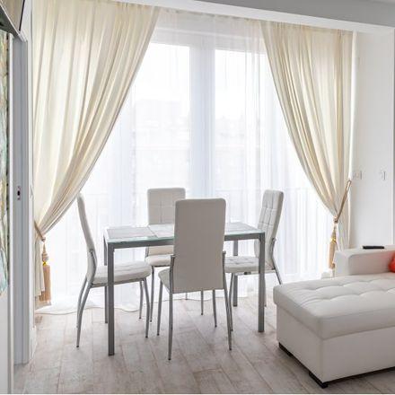 Rent this 2 bed apartment on M&R Reformas in Plaza del Conde de Toreno, 28001 Madrid