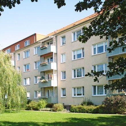 Rent this 3 bed apartment on Ravensburgstraße 32B in 17034 Neubrandenburg, Germany
