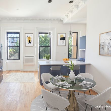 Rent this 3 bed condo on 1st Pl in Brooklyn, NY