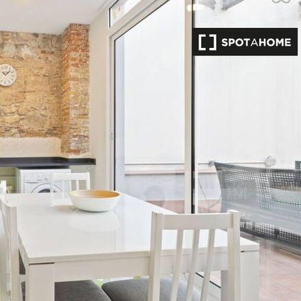 Rent this 3 bed apartment on Cap i Cua in Carrer del Torrent de l'Olla, 08012 Barcelona