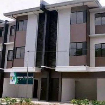 Rent this 3 bed house on Arya Samaj Mandir Road in Priyadarshi Nagar, Danapur - 801503