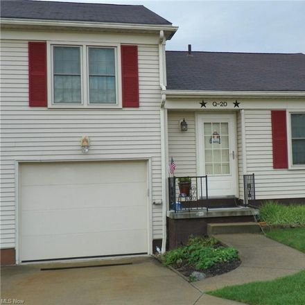 Rent this 2 bed townhouse on 5279 Creekside Boulevard in Brunswick Hills Township, OH 44212