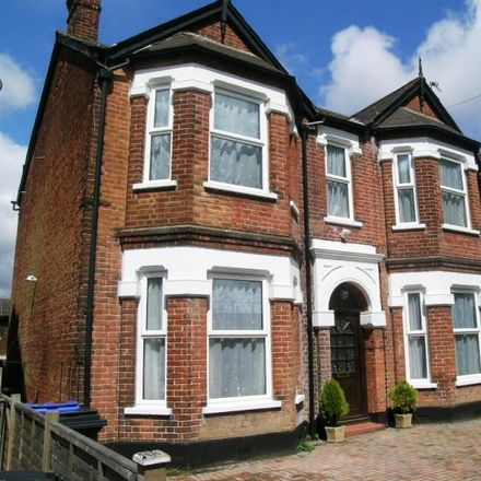 Rent this 5 bed house on Maybury Road in Woking GU21 5FN, United Kingdom