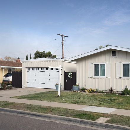 Rent this 3 bed house on 4860 Aberdeen Street in San Diego, CA 92117