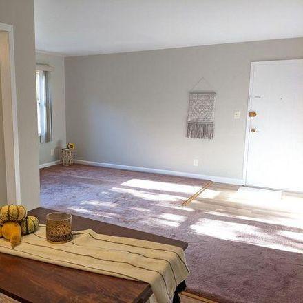 Rent this 1 bed condo on 2030 North Woodrow Street in Arlington, VA 22207