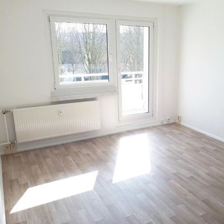 Rent this 4 bed apartment on Albert-Köhler-Straße 15 in 09122 Chemnitz, Germany