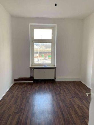 Rent this 3 bed apartment on Greulingstraße 2 in 42859 Gemarkung Remscheid, Germany