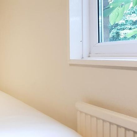 Rent this 6 bed house on Norfolk Park in Sheffield, England