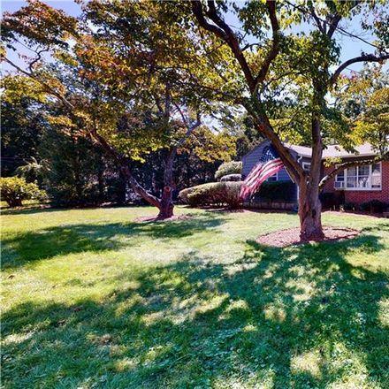 Rent this 3 bed house on 5 Knobhill Rd in Norwalk, CT
