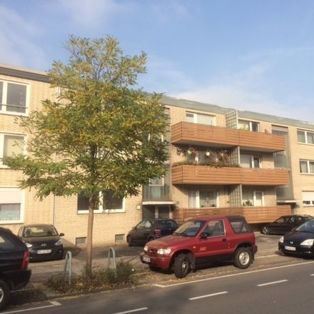 Rent this 2 bed apartment on Bahnhofstraße 246 in 47178 Duisburg, Germany