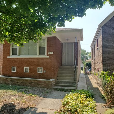 Rent this 3 bed house on 2121 West 68th Place in Chicago, IL 60636