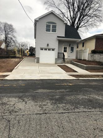 Rent this 3 bed house on 309 Bryson Avenue in New York, NY 10314