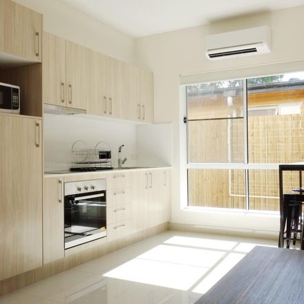 Rent this 3 bed house on 32 Drury street