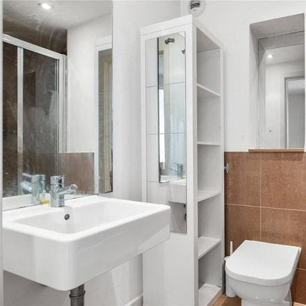 Rent this 3 bed apartment on 9 Enfield Road in London N1 4SZ, United Kingdom