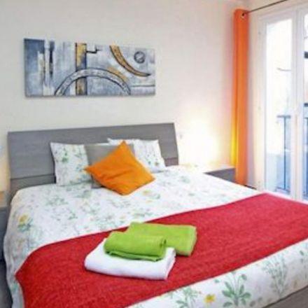 Rent this 6 bed room on Carrer de l'Hospital in 8, 08001 Barcelona