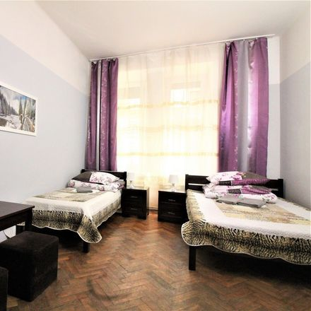 Rent this 3 bed room on Smoleńsk 35 in 33-332 Kraków, Polonia