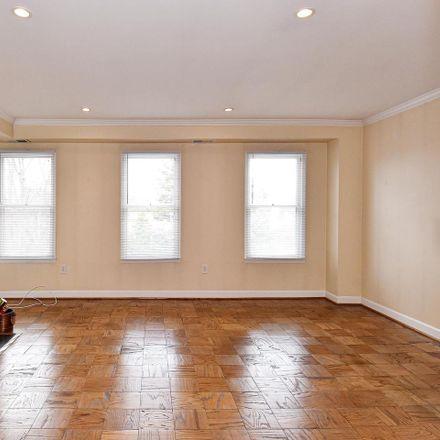 Rent this 2 bed condo on N Saint Asaph St in Alexandria, VA
