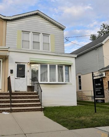Rent this 3 bed house on 1435 Mill Avenue in New York, NY 11234
