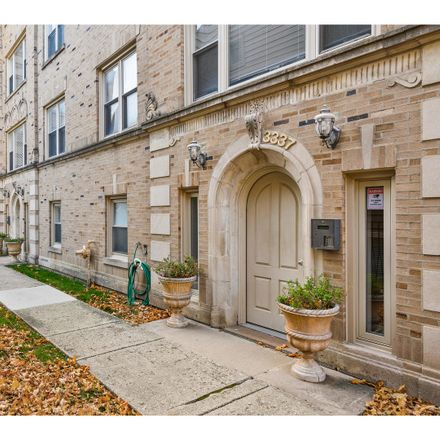 Rent this 2 bed condo on West Belle Plaine Avenue in Chicago, IL 60618