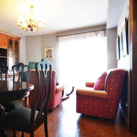 Rent this 3 bed apartment on Calle Salitre in 55, 29002 Málaga