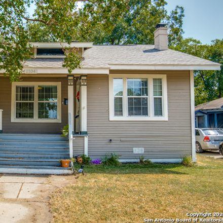 Rent this 3 bed house on 1104 West Kings Highway in San Antonio, TX 78201