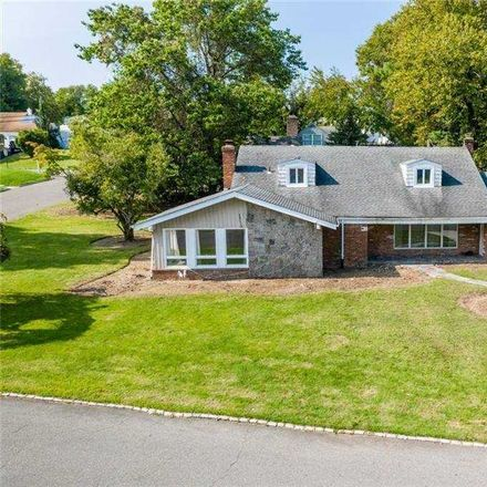Rent this 6 bed house on 10 Stevenson Dr in Great Neck, NY