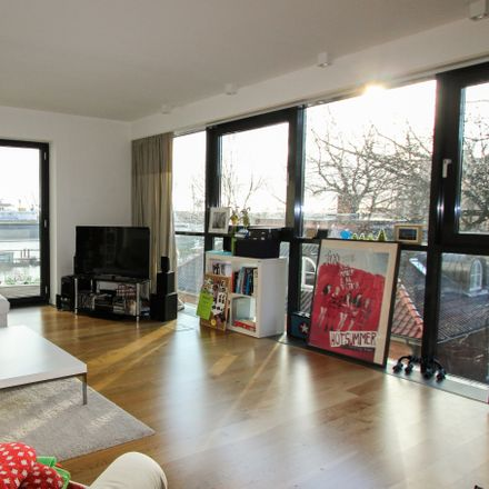 Rent this 3 bed apartment on Hamburg in Brücke 3, 20359 Hamburg