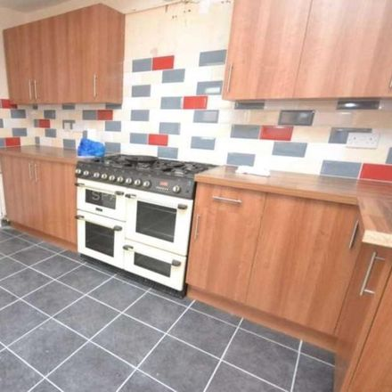 Rent this 6 bed house on 32 Talfourd Avenue in Reading RG6 7BP, United Kingdom
