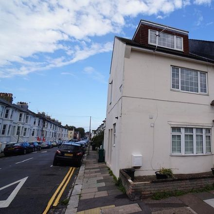 Rent this 2 bed apartment on Byron Street in Hove BN3 5BB, United Kingdom