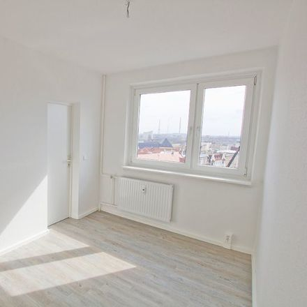 Rent this 4 bed apartment on Kirchnerstraße 17 in 06112 Halle (Saale), Germany