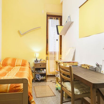 Rent this 6 bed room on Via Goito in 21, 50133 Florence Florence