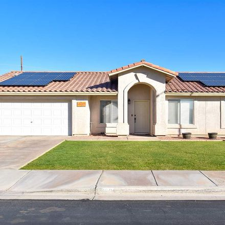 Rent this 3 bed house on E 44th St in Yuma, AZ