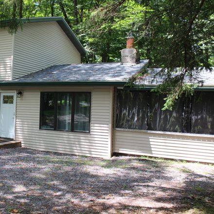 Rent this 4 bed house on Ridgewood Cir in Lake Ariel, PA