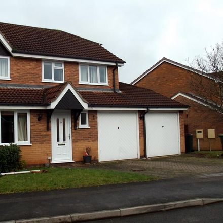 Rent this 4 bed house on 8 Northolt Drive in Nuthall CP NG16 1QX, United Kingdom