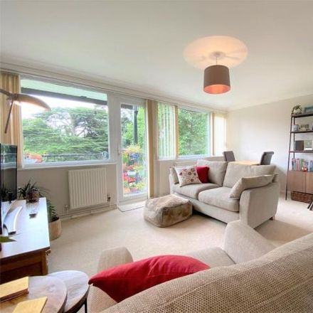 Rent this 2 bed apartment on Chaulden House Gardens in Bourne End, HP1 2BP