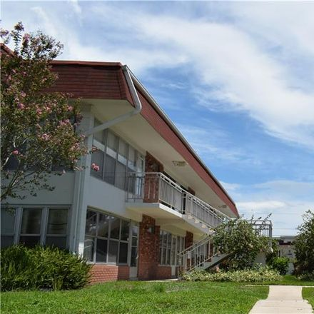 Rent this 2 bed apartment on 32nd Ave N in Saint Petersburg, FL