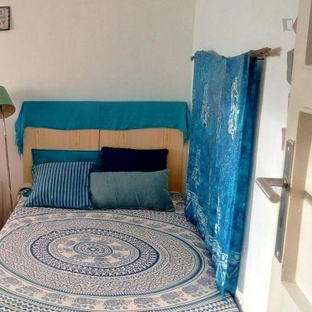 Rent this 3 bed room on Av. Afonso de Albuquerque - Escola in Avenida Afonso de Albuquerque, 2828-420 Costa da Caparica