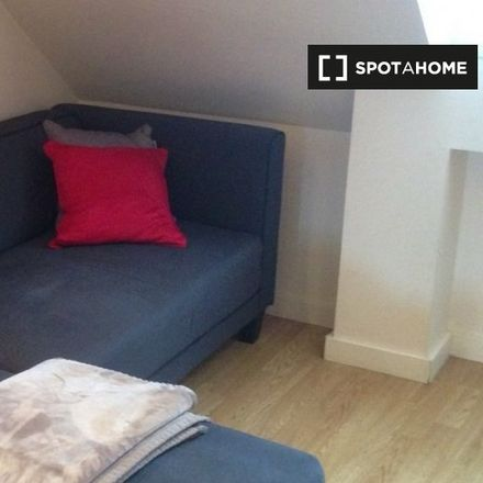 Rent this 2 bed apartment on 3 Rue d'Esquermes in 59000 Lille, France